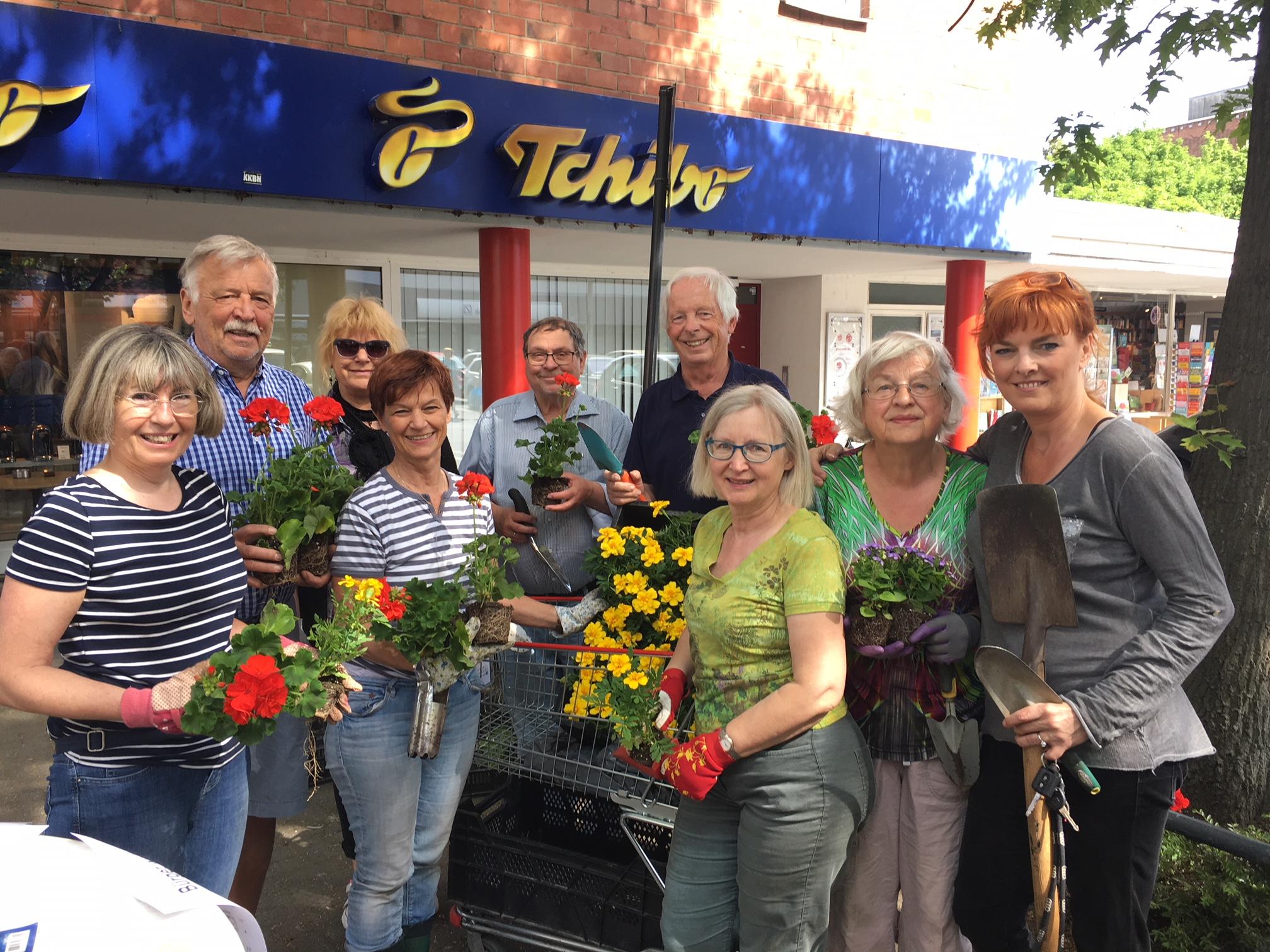 Bürger pflanzen bunte Beete in Rodenkirchen