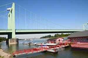 Die A4 Brücke in Köln Süd