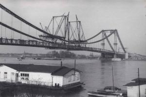 Bau der Rodenkirchener Brücke ca. 1940