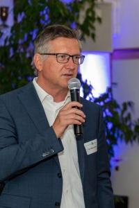 Dr. Markus Sauer
