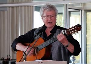 Am 17.11.201 sindgt Max Erben jiddische Lieder zum Festjahr 1700 Jahre jüdisches Leben